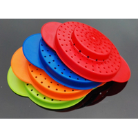 Plastic can strainer