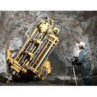 underground drilling rig with hydraulic motor head