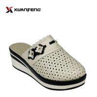 Fashion Comfortable Leather Slipper for Woman