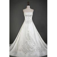 Factory Custom Made Embridery Beaded Large Hemlines Wedding Dresses ZB008