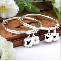 2012 new design kids silver hello kitty charm bangle bracelets