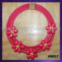 Graceful pink silicon flowers collar necklace