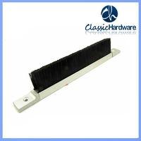 Escalator brush