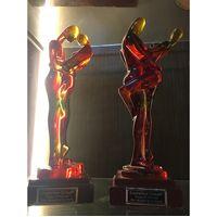 Suanti Original Design Transparent Resin Colorful Romantic Lover Couple Statue