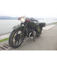 CJ750 Motorcycle (army green)