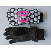 kid ski gloves thumbnail image