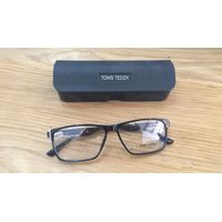 Optic Frames by Toms Teddy thumbnail image