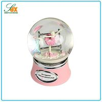 China Manufacturer Fashionable Economic European Style Ballet Snow Globes
