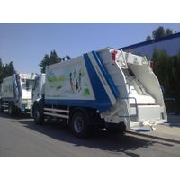 refuse colector truck