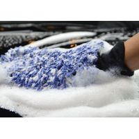 Premium microfiber wash mitt for cleaning car