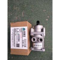 China Sinotruk HaoWo, STR cab accessories WG9000360502 brake master valve