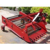 Peanut Harvester/Diesel engine type potato harvester