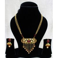 Babosa Sakhi Ruby & Pearl Ethnic Wedding Kundan Pendant Set With String