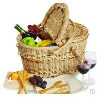 Willow round picnic basket with cover.