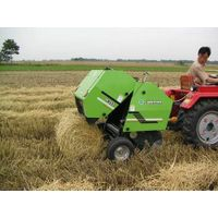 Hay baler 0850/0870 powered by tractor