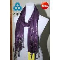 fashion scarf w/sliver thread