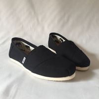 Toms canvas shoes
