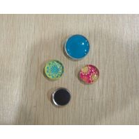 Glass magnet