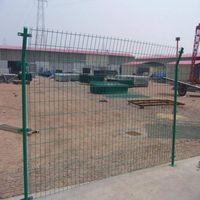 Bilateral wire mesh