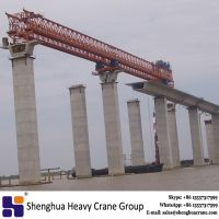 Highway construction overhead launching gantry equipment with hydraulic system