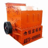 Crusher to prepare feed for chickens