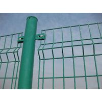Round post bended road fence