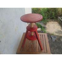Wood stool with screwing seat