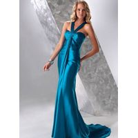 Elegant bridesmaid evening dress made in satin with sweetheart neckline and ruched bust