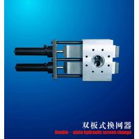 Double- plate hydraulic screen changer with double working position