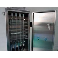 UV ozone generator for cold chiller room