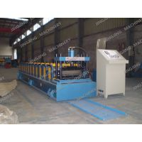 Self-lock roofing sheet roll forming machine