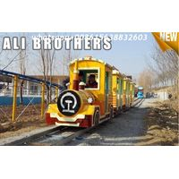 Outdoor Amusement Equipment Tourist Electric Train Games New Design Track And Trackless Train thumbnail image