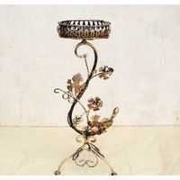 flower holder made from iron
