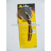 pizza cutter with wheel