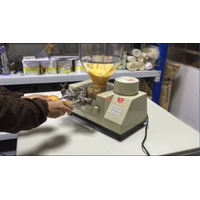 Manual filling machine for cake/donut/bread