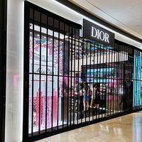 Transparent PC folding door for shopping mall