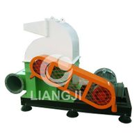 Wooden course hammer crusher