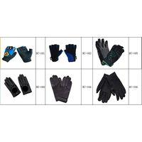 Sports gloves thumbnail image