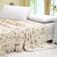 clover printed flannel blanket thumbnail image