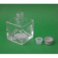 Wholesale diffuser glass perfume bottle