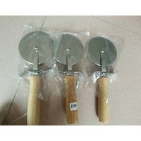 Wooden handle Pizza Cutters, Stainelss Steel pizza cutter, kitchenware