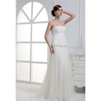 Floor length sofr tulle strapless wedding dress