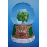 snow dome,snowball,souvenir, water globe thumbnail image