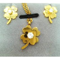 four leaf stainless steel pendant necklace for women Gold Plated jewellery set Lucky Flower Pendant