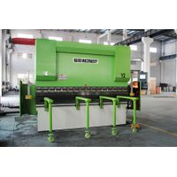 electro-hydraulic CNC synchronous press brake with worktable hydraulic deflection compensation