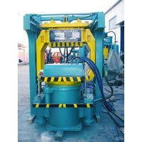 Microseism squeeze resin sand and clay sand molding equipment