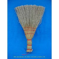 CORN BROOM,PINE BROOM
